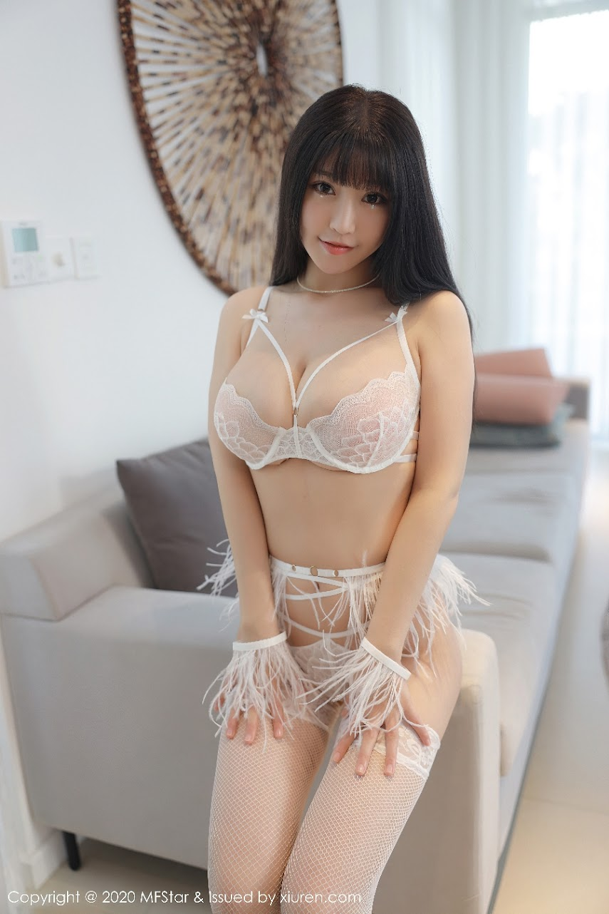 MF415[Y].rar.415_001_n71_3600_5400.jpg [MFStar] 2020-11-20 Vol.415 Zhu Keer Flower